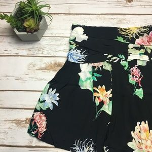 Zara | black and floral printed high waisted short
